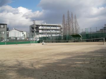 金岡公園庭球場 | 東大阪市